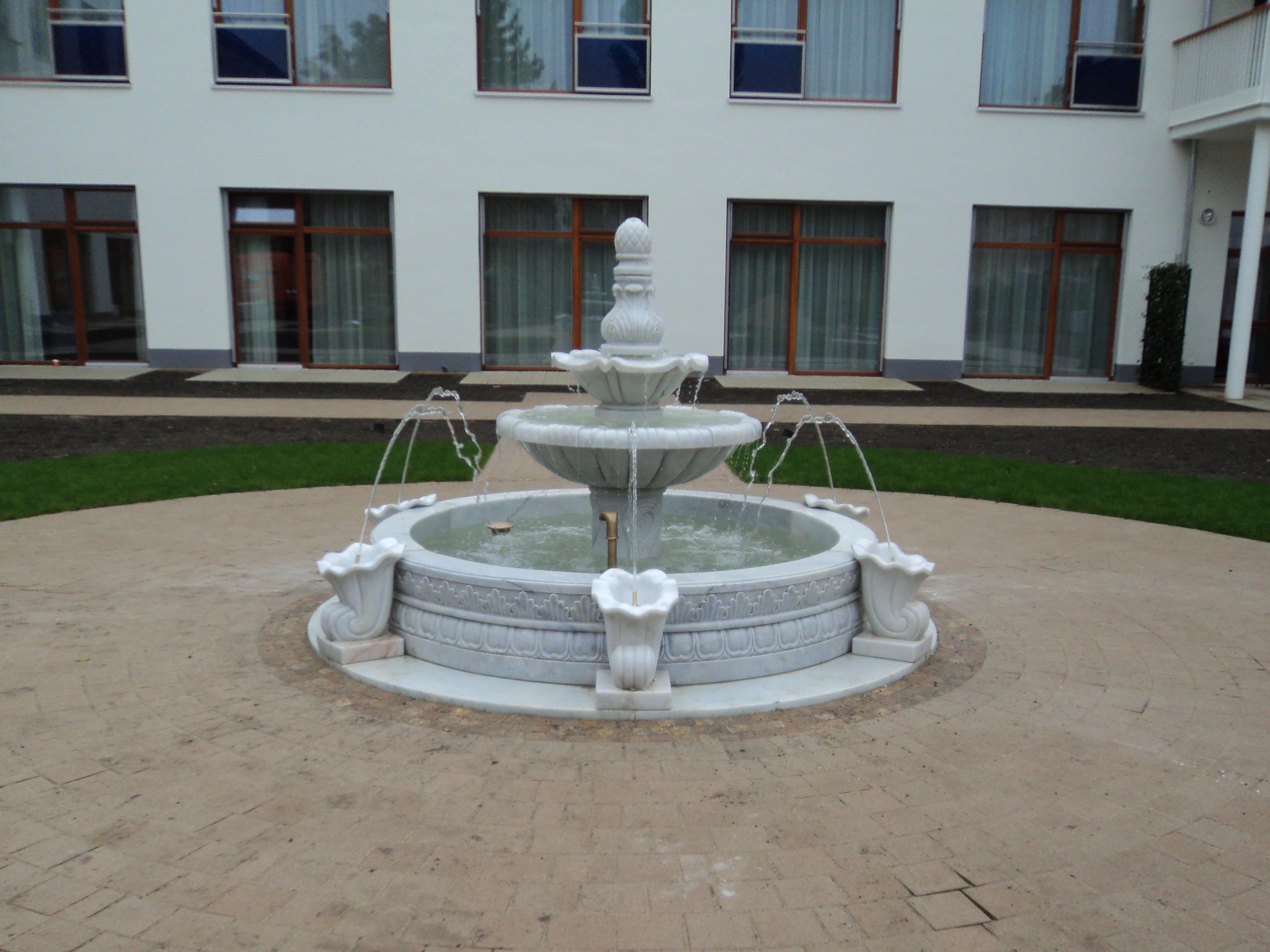 italienischer-kuenstlerbrunnen01_web.jpg