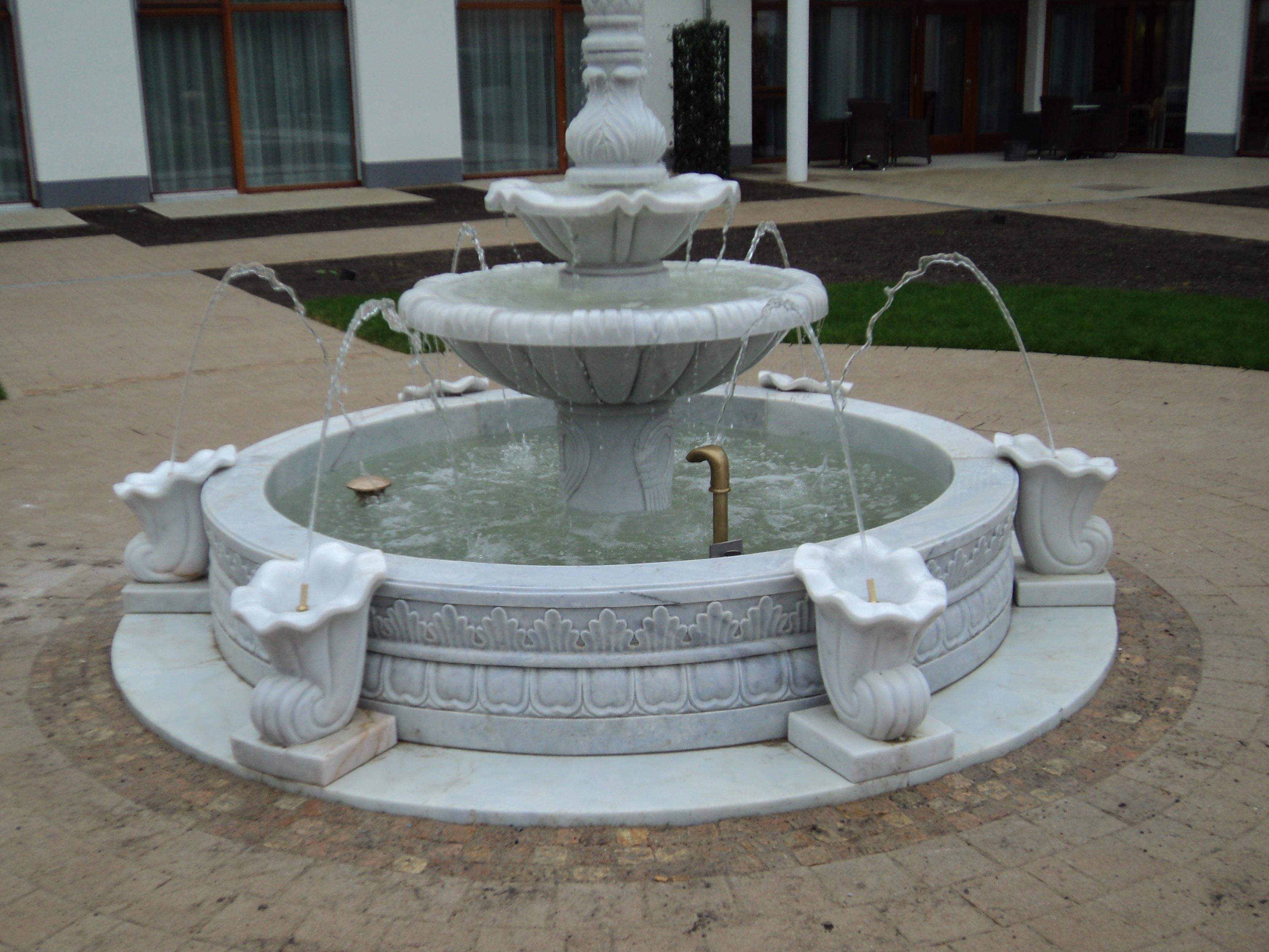 italienischer-kuenstlerbrunnen03_web.jpg
